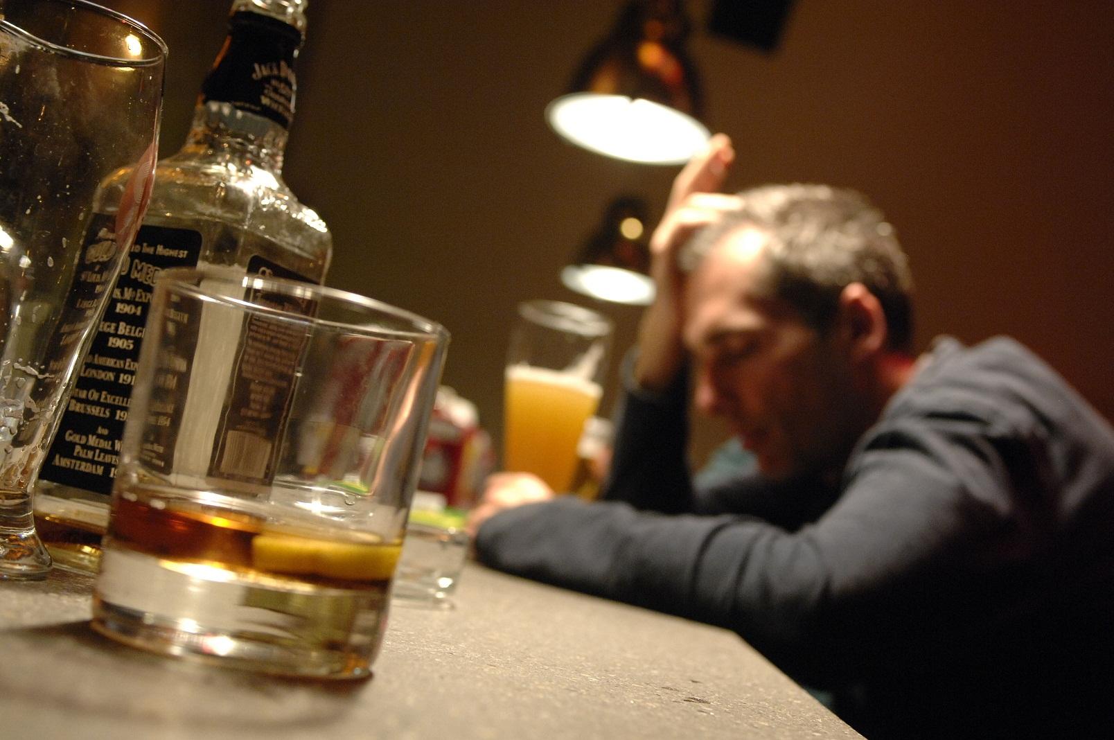 Se tossicomane di moglie e alcolizzato